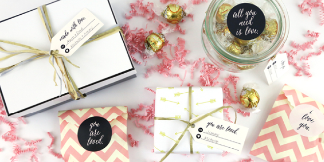Chic and sophisticated Valentine's Day Stickers and Gift Tags (free printable from Elegance & Enchantment for Remodelaholic)