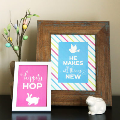 Free Printable Art Prints for Spring and Easter. Perfect for home decor or a celebration! // Designs from Elegance & Enchantment
