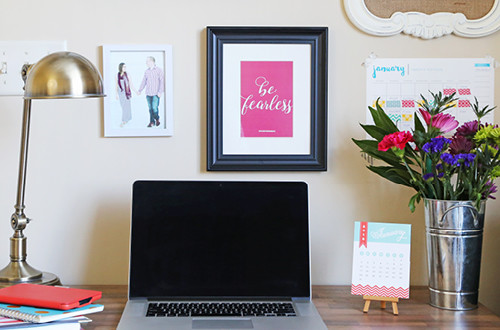 The perfect combination of photos, quotes, places and goals create a gallery wall that's inspiring and motivating. This wall, created by Michelle from Elegance & Enchantment, is the ultimate inspiration for girl bosses and entrepreneurs to create in their home office or studio space. Includes a free printable goal setting sheet for 2016!
