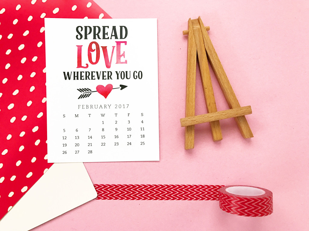 Pretty your workspace with this free printable calendar card for February 2017. New calendars are released every month! // Design from Elegance and Enchantment.