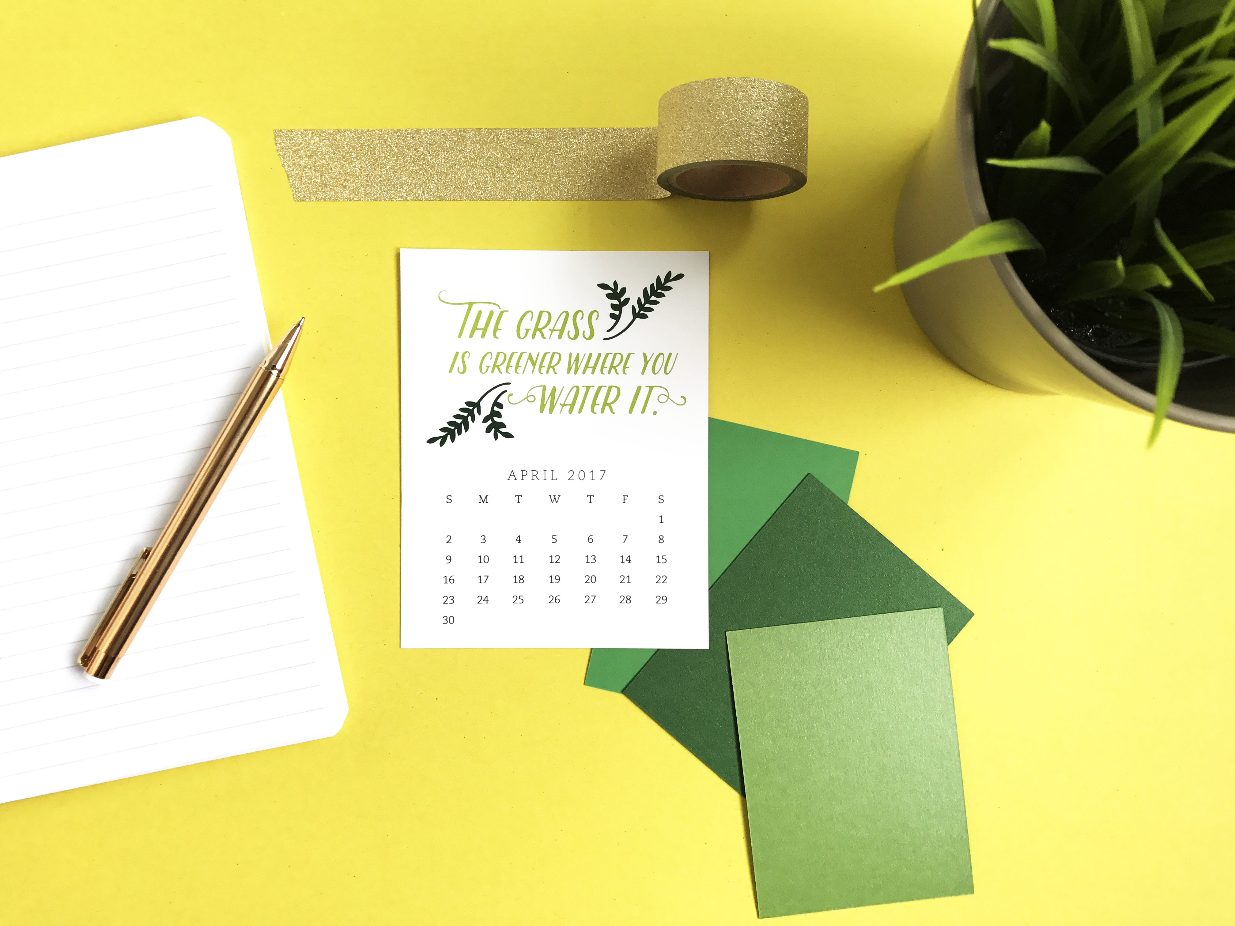 Pretty your workspace with this free printable calendar card for April 2017. New calendars are released every month! // Design from Elegance and Enchantment.